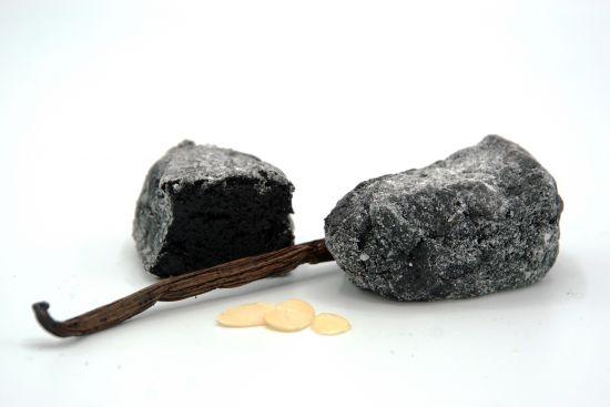 Schwarze Vanille Cranberry - feines handgefertigtes italienisches Mandelgebäck 40g